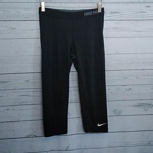 Nike Pro Dri-Fit capris size medium black